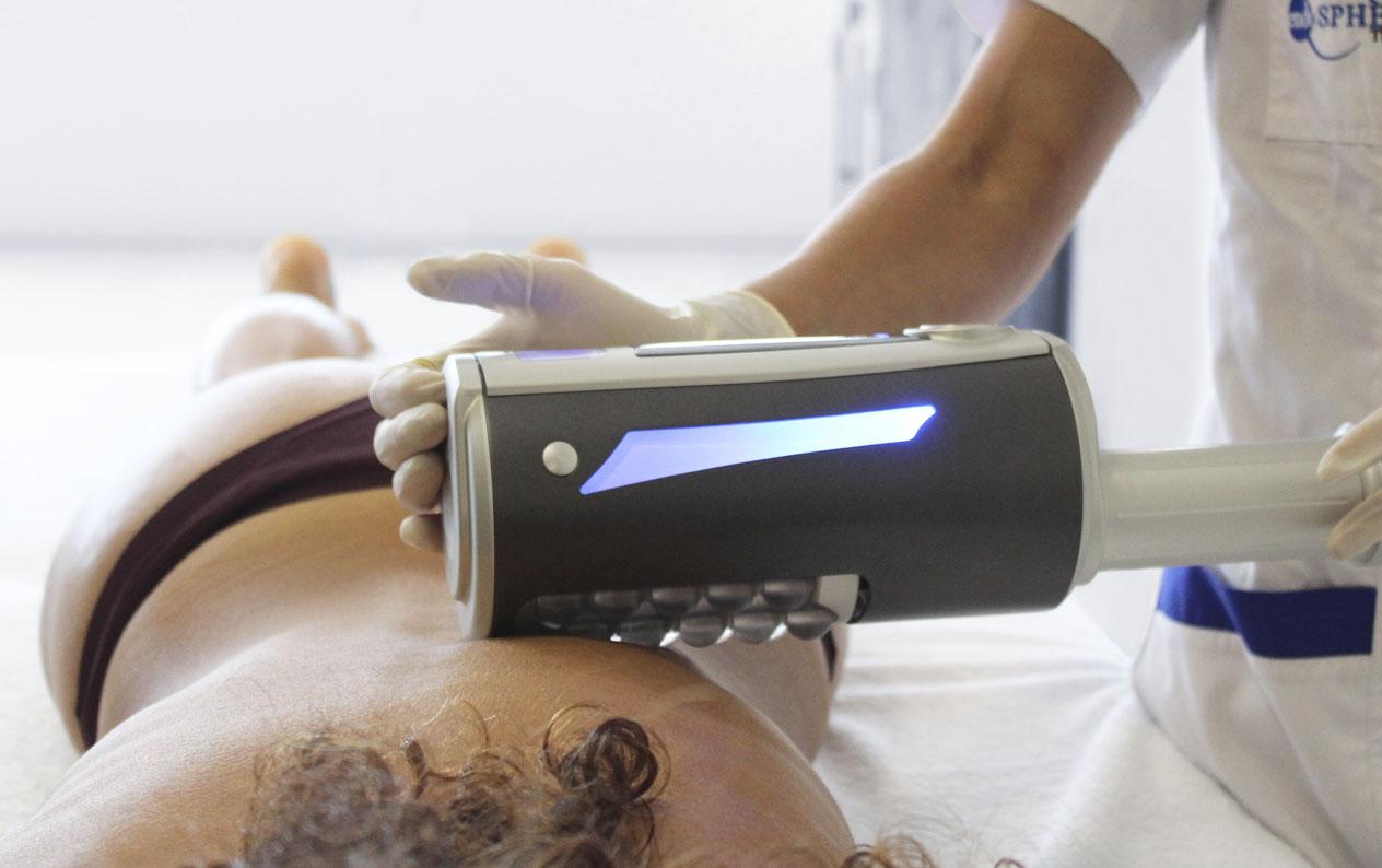 Modella trattamento anticellulite corpo